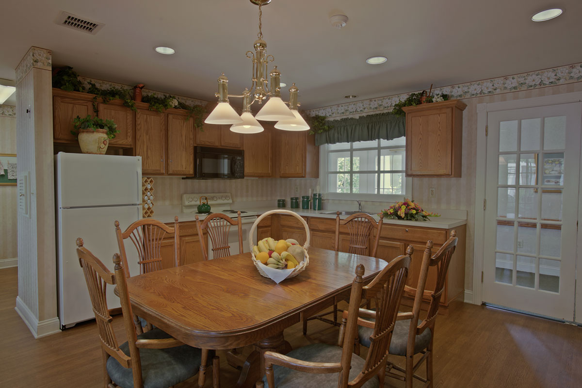 Brandywine Living Reflections Country Kitchen
