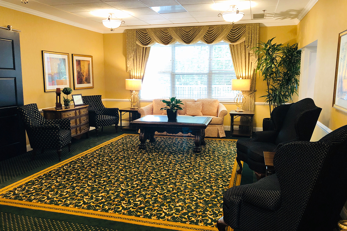 Brandywine Living at The Sycamore Senior Living Sitting Room