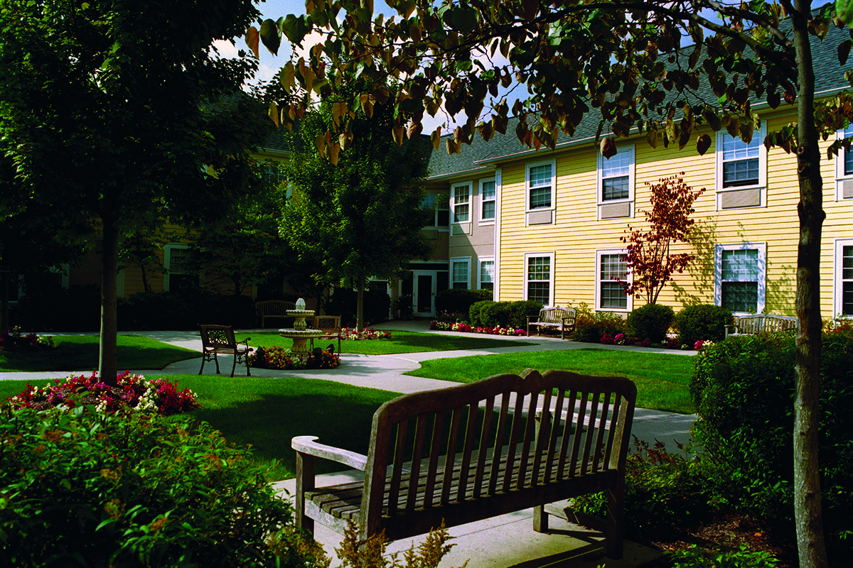 Brandywine Living at Huntington Reflections Courtyard