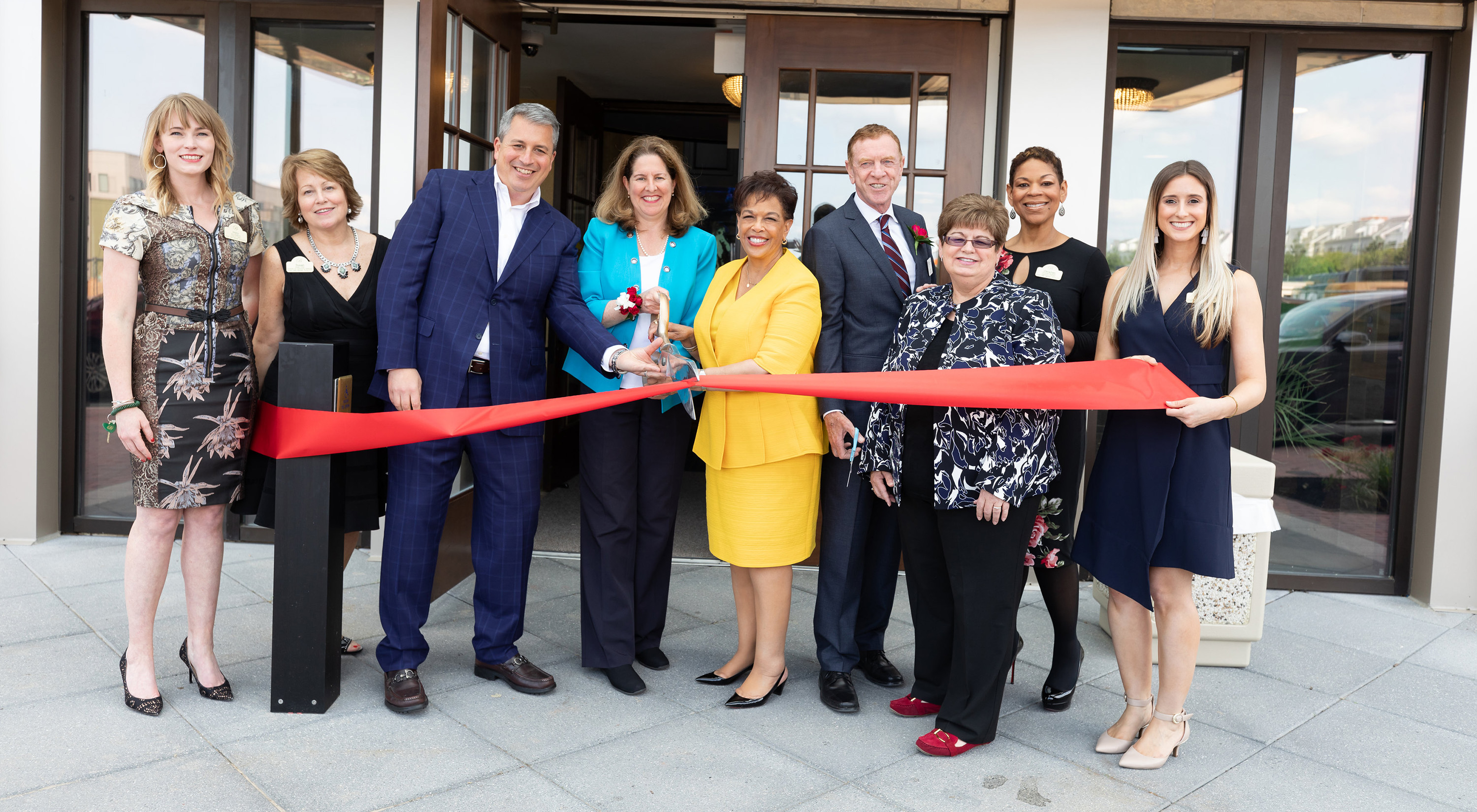 Brandywine Living Executives Cut Grand Opening Ribbon in Alexandria, VA